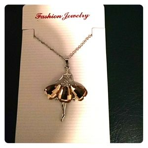 Jewelry - Beautiful ballerina necklace nwt